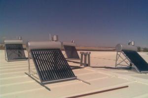 Instalación de Energía Solar Térmica 80 naves industriales en Cobo Calleja (Madrid)
